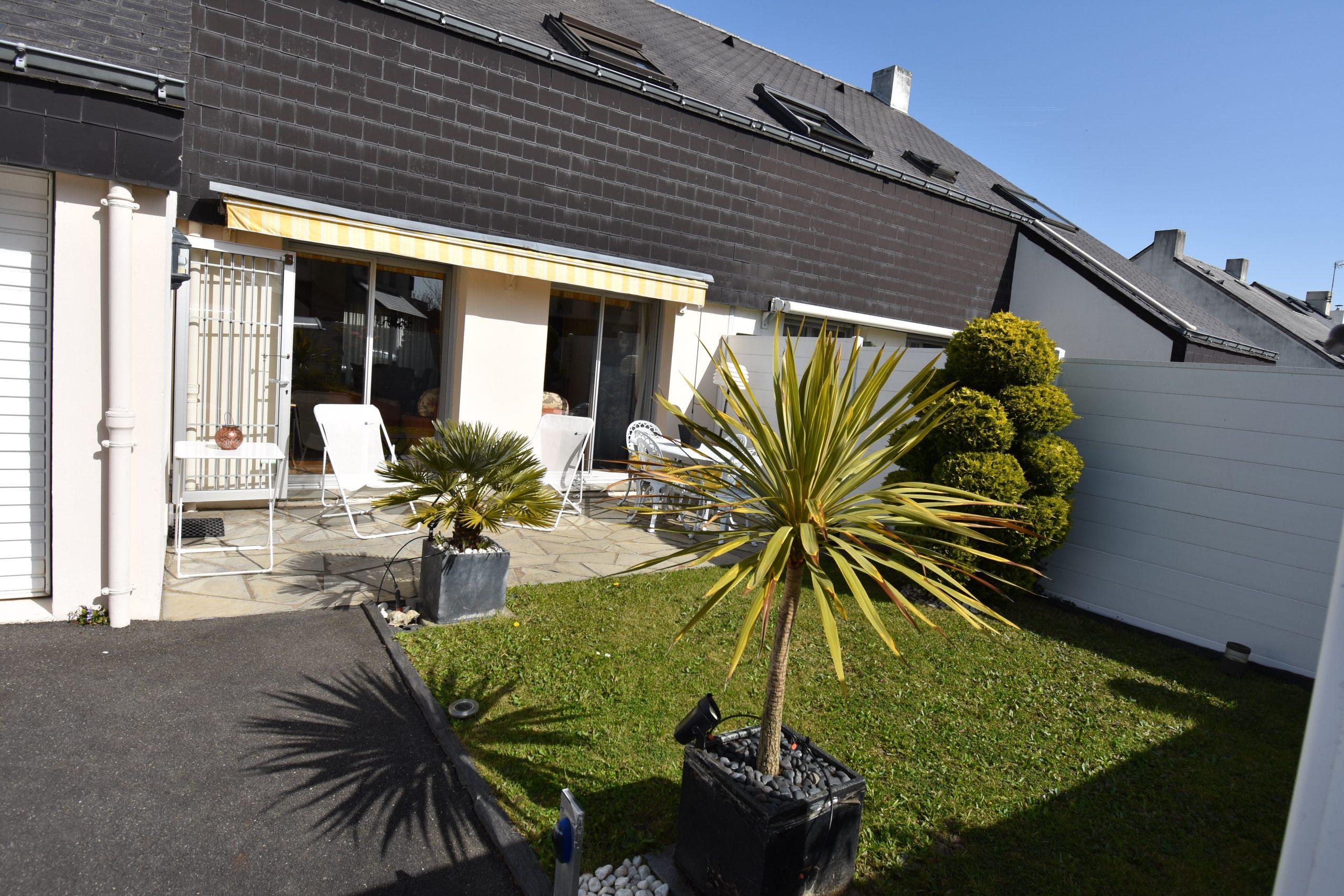 Maison familiale avec cheminée garage jardinet