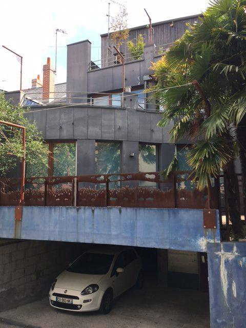 Grand local avec terrasses